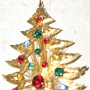 Brooks Prong Set Christmas Tree Pin  STUNNING!!!