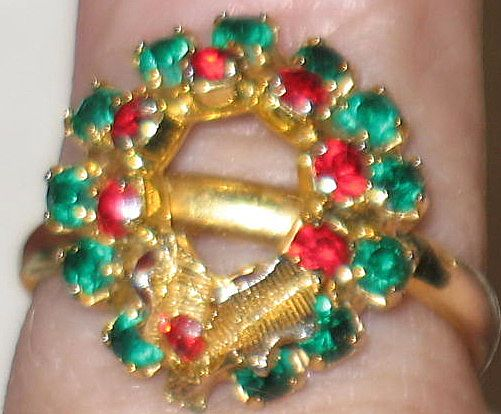 Prong-set Adjustable Colored Rhinestone Xmas Wreath Ring