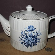 Ellgreave Woods & Sons #683 Blue and White Teapot