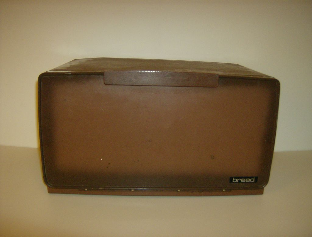 Lincoln Beautyware Breadbox  ~ 1950's