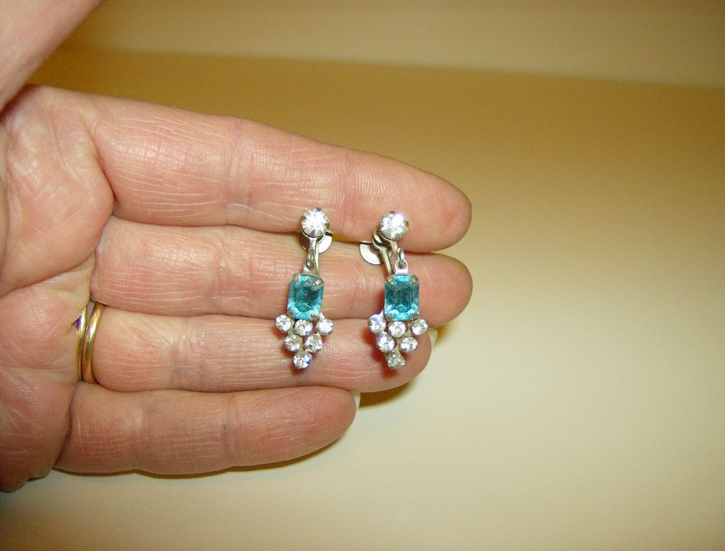 Vintage Dangle Earrings ~ Screw Back ~ Blue &  Clear  Rhinestones