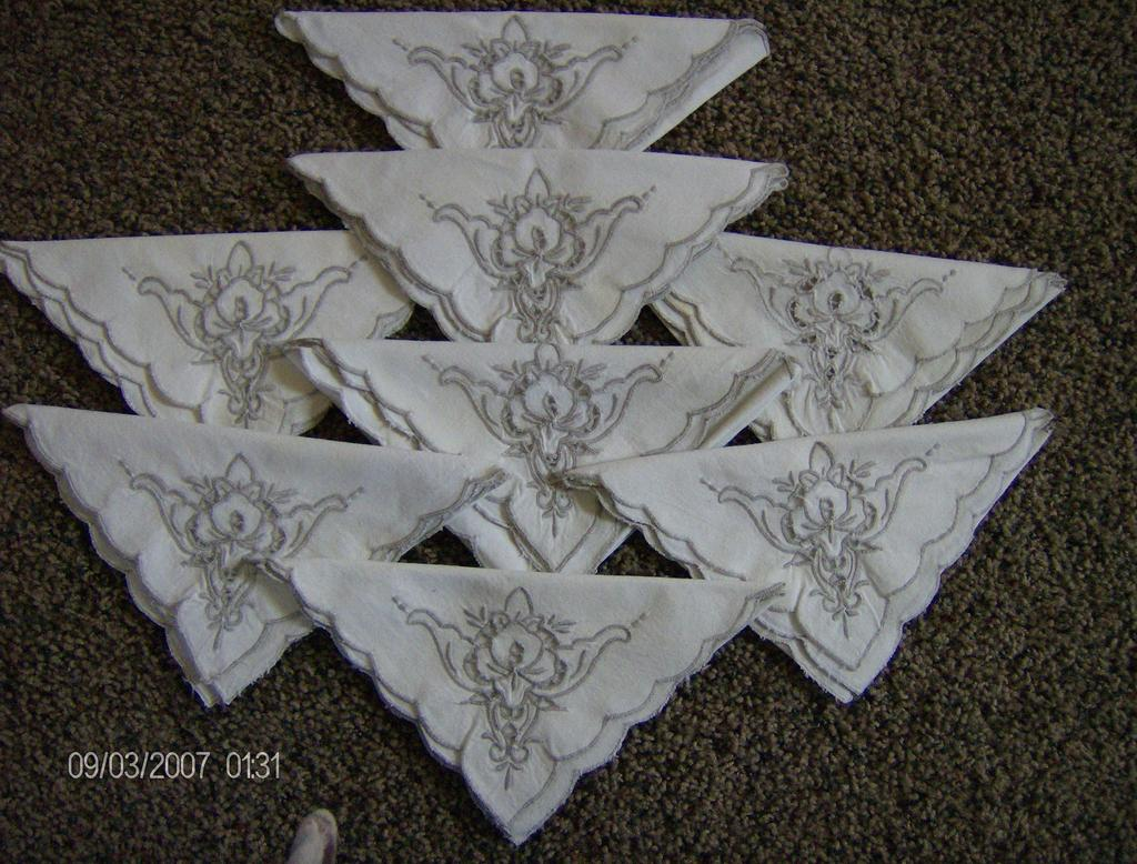 Madeira cutwork linen napkins from marysmenagerie on ruby lane for Glass cut work designs