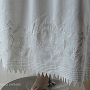 Fine Georgian Circa 1790 Embroidered Muslin Petticoat With Drawnwork