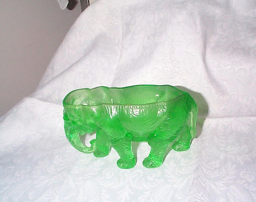 Rare 1920s Elephant in Uranium Glass/Green - Hocking Glass