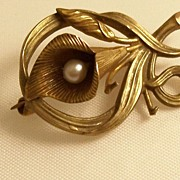 Charming 10KT Gold Art Nouveau Brooch - Lily with Pearl