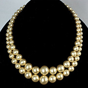 Double strand choker cream to golden glass bead necklace Art Deco clasp
