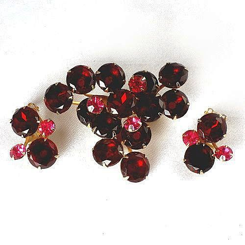 Lovely rhinestone large brooch and clip on earrings set deep red and pink stones gold tone