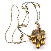 Early pendant necklace floral gold tone with fine link chain