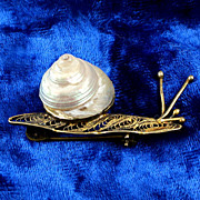 Really cute Snail small brooch marked 800 (High Silver content) Vermeil finish with shell