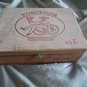 Torcedor Cigar Box - Vintage Wooden