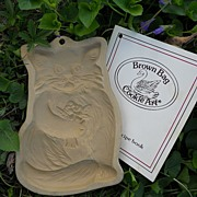 Vintage Brown Bag Cookie Mold - Cat With Flowers