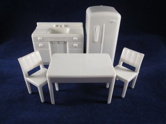 Marx 1 2 Hard Plastic 5 Piece Kitchen White Dollhouse Furniture From Milkweedantiques On Ruby Lane