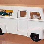 Ideal Hard Plastic Dairy Farm Van