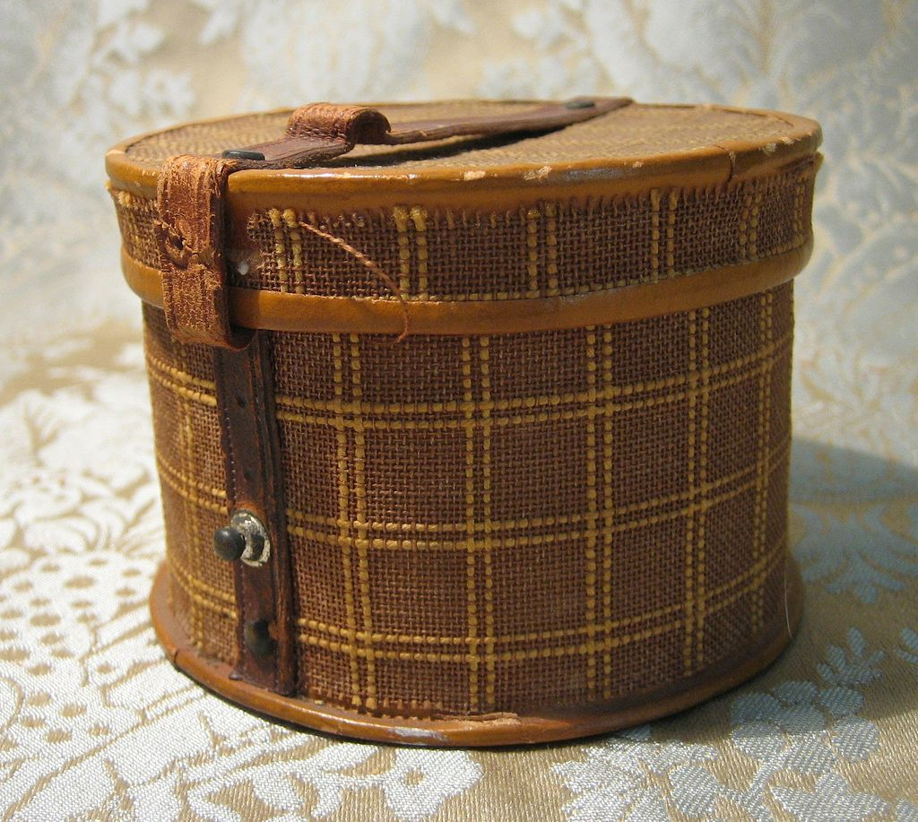 Adorable Antique Hatbox for French Fashion
