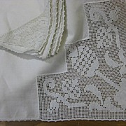 B1995 Vintage tablecloth napkin set Early 20C era fillet lace