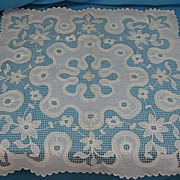 Vintage lace linen table runner handmade