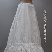 Antique Victorian Petticoat  White cotton and lace HM16