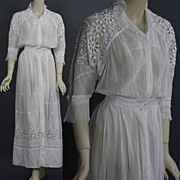 Antique Victorian Edwardian Tea Dress gown white lace bridal wedding