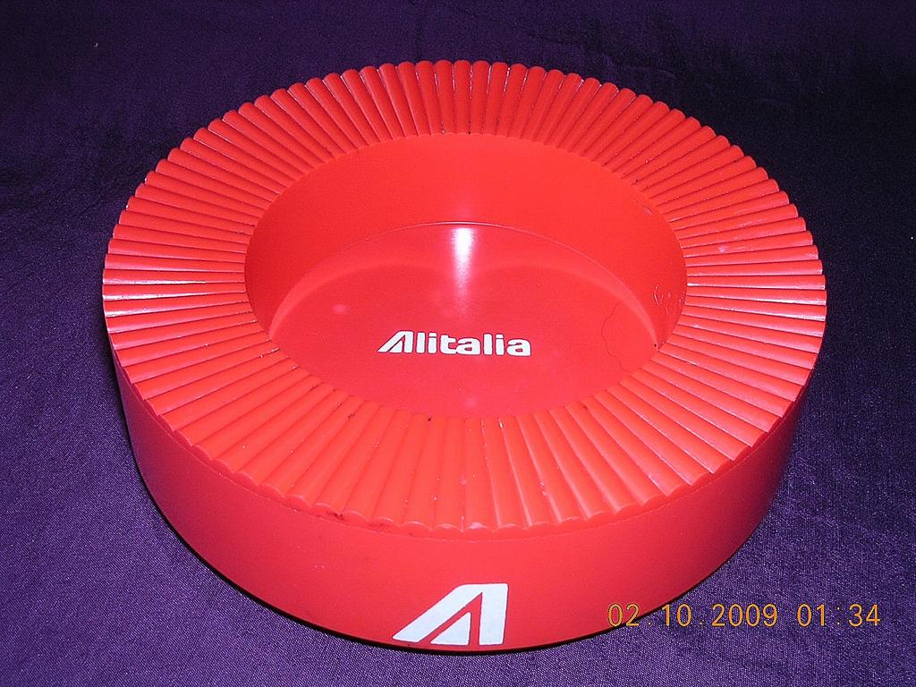 AIR ITALIA Retro Bright Red Advertising Ashtray