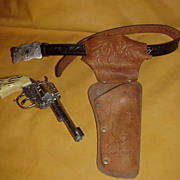 REDUCED Vintage Western Cap Gun  and Holster
