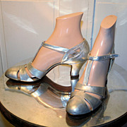 Gorgeous 1920's Metallic Silver T-Strap Dance Pumps size 7AAA