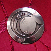 Silver Ecuadorian or Peruvian Fish Brooch Stylized Round Pin