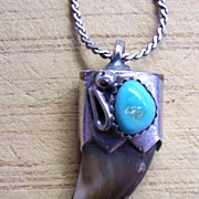 Vintage Native American Sterling Silver And Turquoise Claw Pendant Necklace