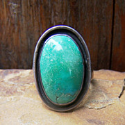 Vintage Native American Sterling Silver And Green Turquoise Man's Ring