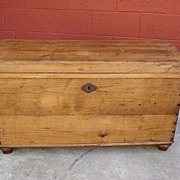 American Primitive Pine Chest Trunk Blanket Chest
