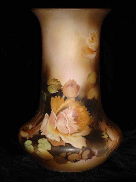 Beautiful Original Hand Painted Nippon Vase