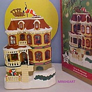 Hallmark - Up on the Housetop - 2001 Magic Ornament New