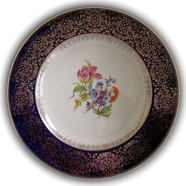 antique china homer laughlin guide to dating This guide covers 20th century dinnerware, from 1900-1990  how old is my  dinnerware  homer laughlin's brightly colored fiesta broke new ground.