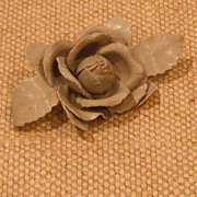 MUSI Shoe Clip �Small Dove Grey Leather Wild Rose with Leaves