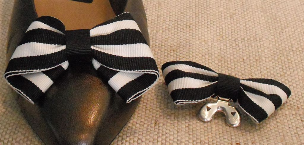 MUSI Shoe Clip – Black and White Stripe