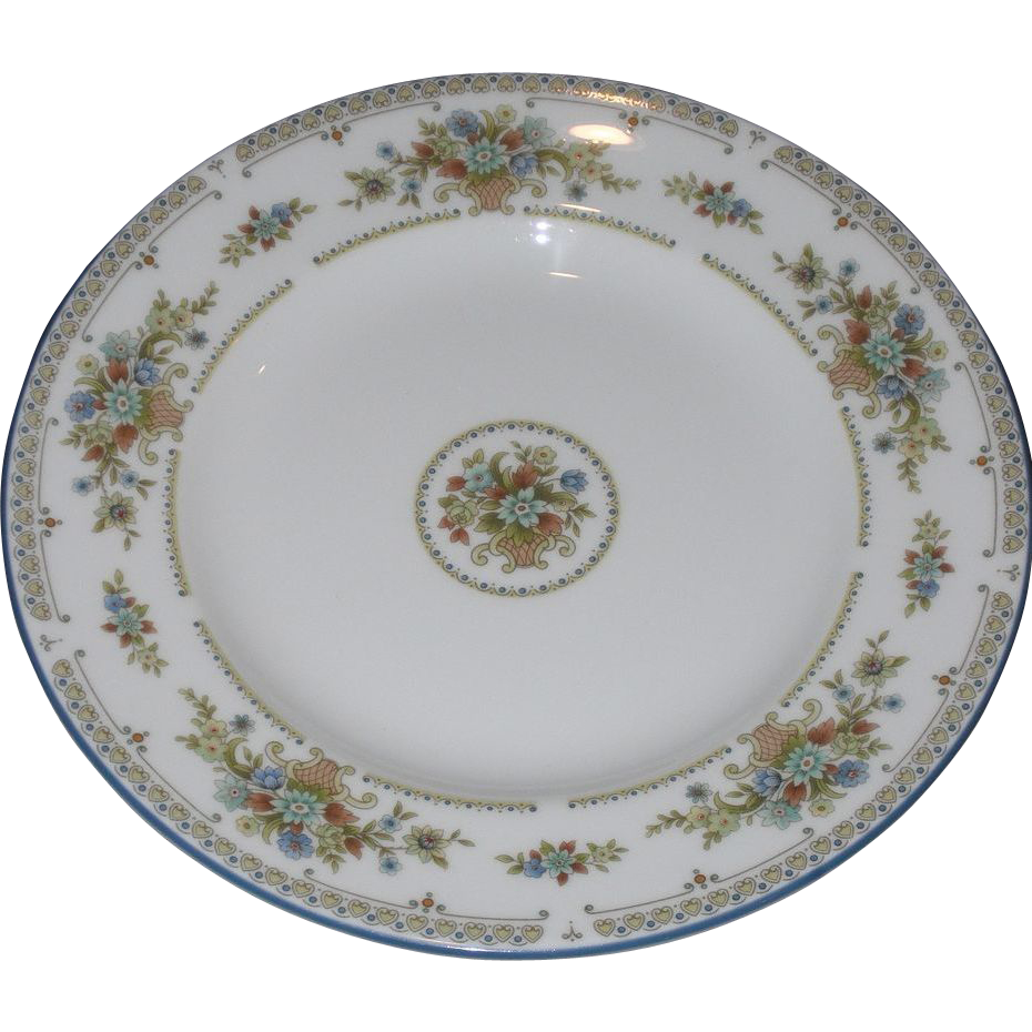 Vintage Wedgwood 6&quot; Bread and Butter Plate &ndash; Petersham Pattern
