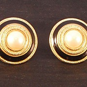 Richelieu Faux Pearl Clip Earrings
