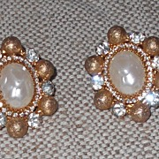 REDUCED Bill Smith Vintage Faux Baroque Pearl Clip Earrings
