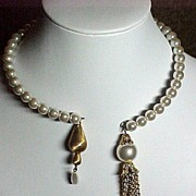 SALE Faux Pearl Memory Wire Necklace