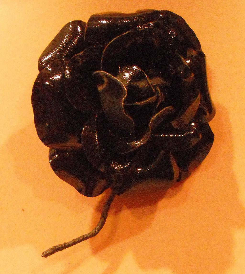 Black Patent Leather Rose - Pin by MUSI