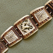 Awesome & Beautiful Carved Deer Vintage Bracelet of Antler Bone !