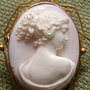 STUNNING Victorian High Relief Cameo of Young Woman 9kt Brooch - Early 1900's