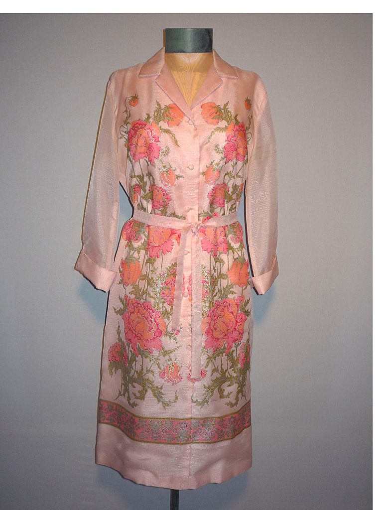 1970's Alfred Shaheen Shades of Pink Floral Dress