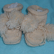 SALE 2 Pair of Vintage Knit/Crocheted Booties