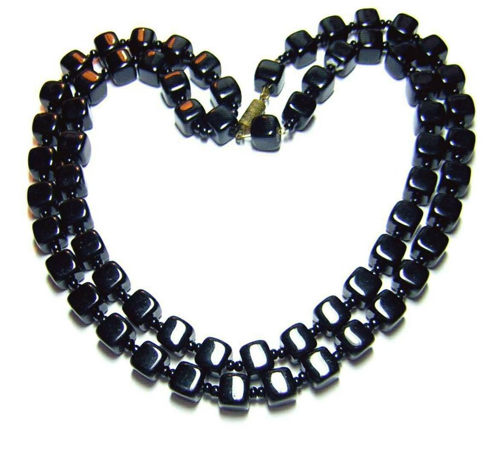 Vintage Black Glass Beaded Necklace