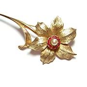 Vintage Boucher 8367P ~ Flower Brooch