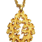 Vintage Trifari ~ Golden Oak Leaf Pendant Necklace
