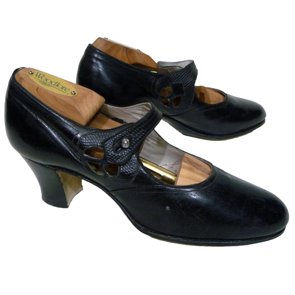 ca. 1920's Walk Over  Black Leather Mary Janes