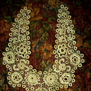 Ecru Irish Lace Crochet Collar, Gorgeous Condition