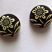 Pair of Buttons with Design of Cute White Flower