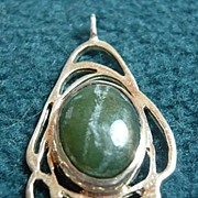 Silver and Agate Pendant: Green